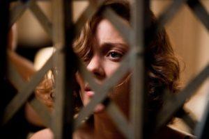 《全面啟動》茉兒被關在電梯外