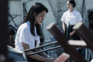 影集版《返校》學姊方芮欣總是在劉芸香身旁陪伴