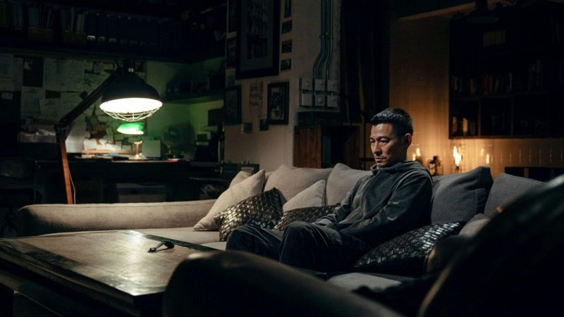 《拆彈專家2》潘承風獨自懷疑著自己究竟是好人還是壞人