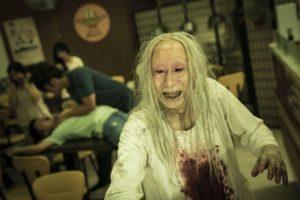 《哭悲》早餐店的喪屍阿婆